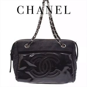 Auth CHANEL Vintage Patent Leather Logo Chain Bag